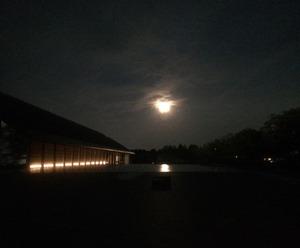 秋夜の佐川美術館