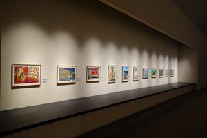 第9回こども絵画コンクール展示会場の風景