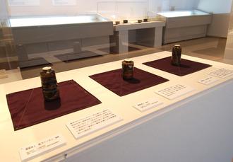 左から薩摩焼、高取焼、唐津焼の茶入