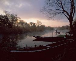 《朝焼けの船着き場》